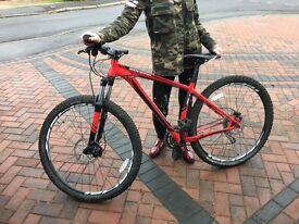 Specialized Rockhopper Mens Mountain Bike, excellent condition