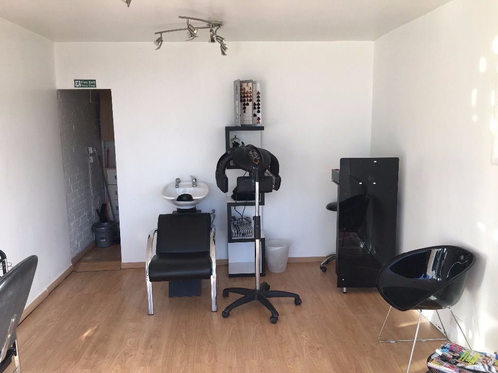 Hair Salon Room To Rent