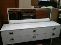 White modern dresser table
