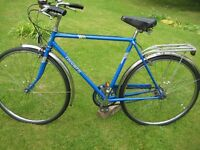 EXCELLENT MENS TRADITIONAL TRIUMPH THREE SPEED TOWN BIKE