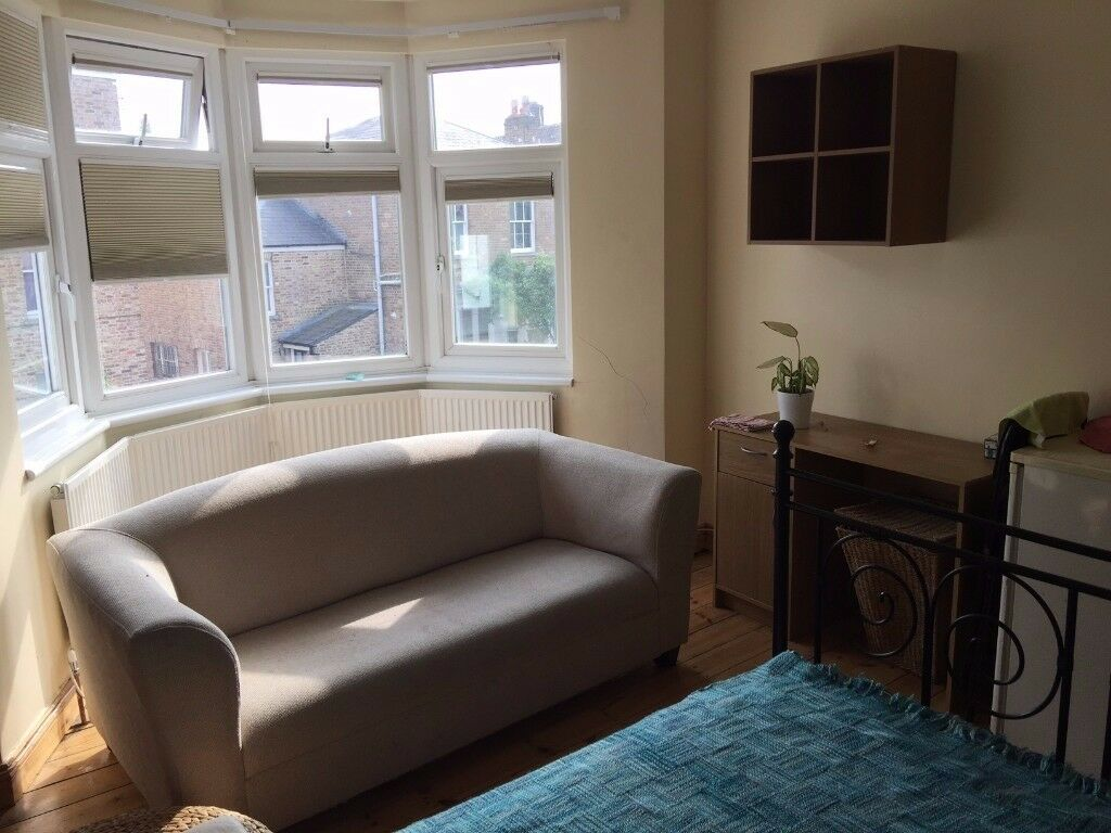 Double Room To Let in Wood Green N22