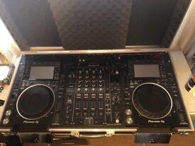Pair Pioneer DJ CDJ 2000 NXS2 + DJM 900 NXS2 + cases and extras