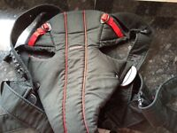 Baby bjorn active carrier black and red