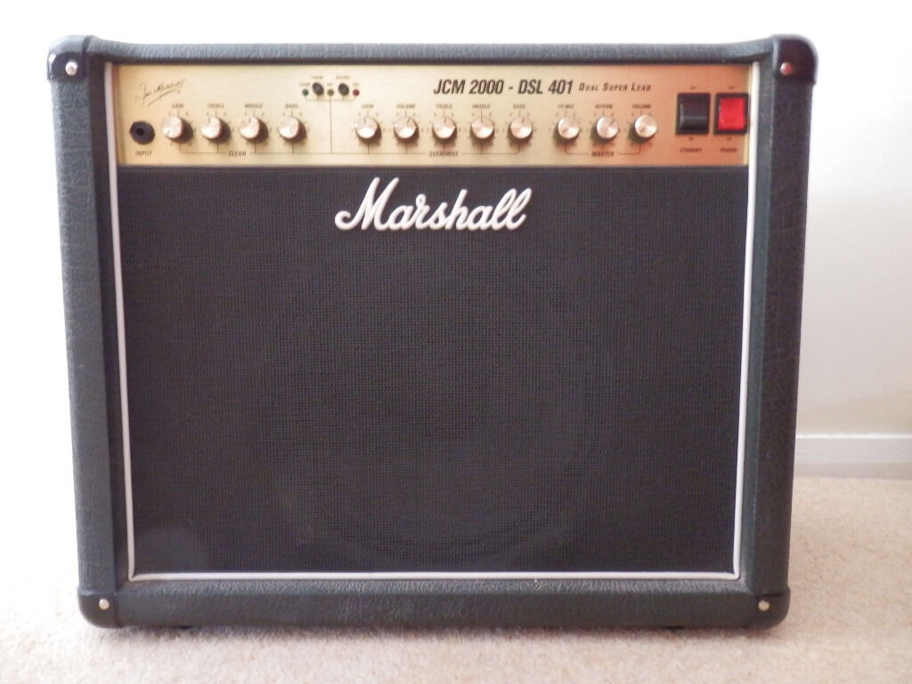 Marshall JCM2000 40W Valve Amp in excellent condition.