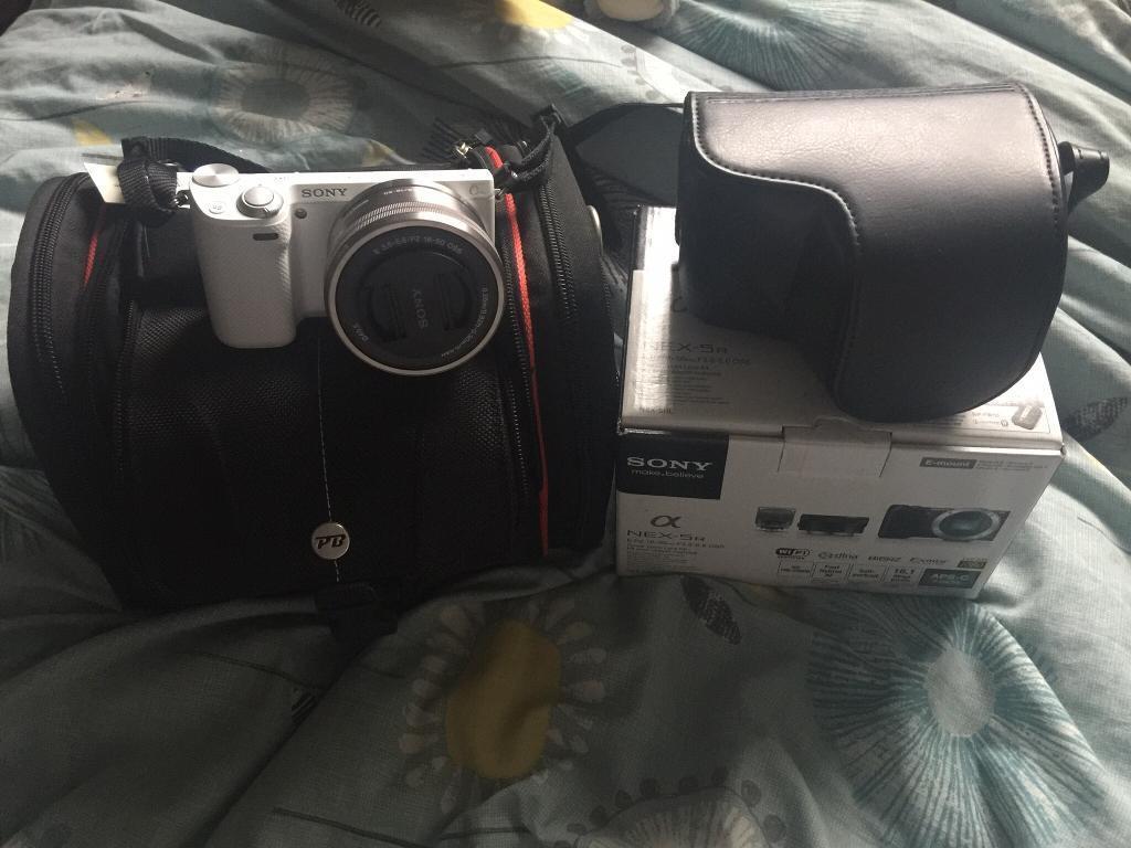 Sony NEX 5RL CAMERA WHITE