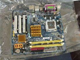 Gigabyte GA-945GZM-S2 Motherboard Intel® Core™ 2 Duo* / Pentium® D Processor