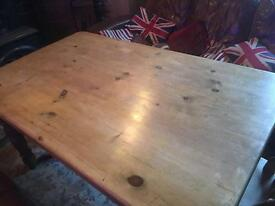 Country Style Farmhouse Pine Table plus 4 Chairs