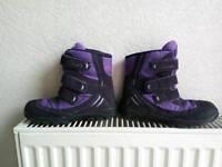 Lovely girls purple Clarks Doodles Snowboot boots Velcro Straps size 12