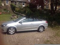 Astra twintop convertible low mileage like new