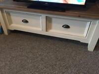 Coffee table/tv stand