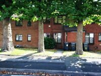 ONE BEDROOM FLAT-HOCKLEY-SHORT WALK TO CITY HOSPITAL AND 24 HOUR TESCO-CLOSE TO CITY CENTRE-CALL NOW