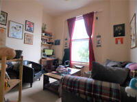 A Large 1 bedroom flat on the first floor of a victorian conversion in Finsbury Park