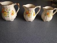 2 Alfred Meakin jugs in 1940 Poppies design