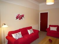 Newly upgraded 2 bedroom flat at White Street in Glasgow's West End. Excellent location.
