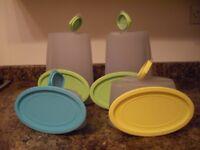 4 tupperware containers. 2x3l. 1x 1.25l. 1x.0.75l