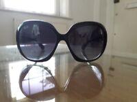 Womens Ray Ban sunglasses. Jackie Ohh.