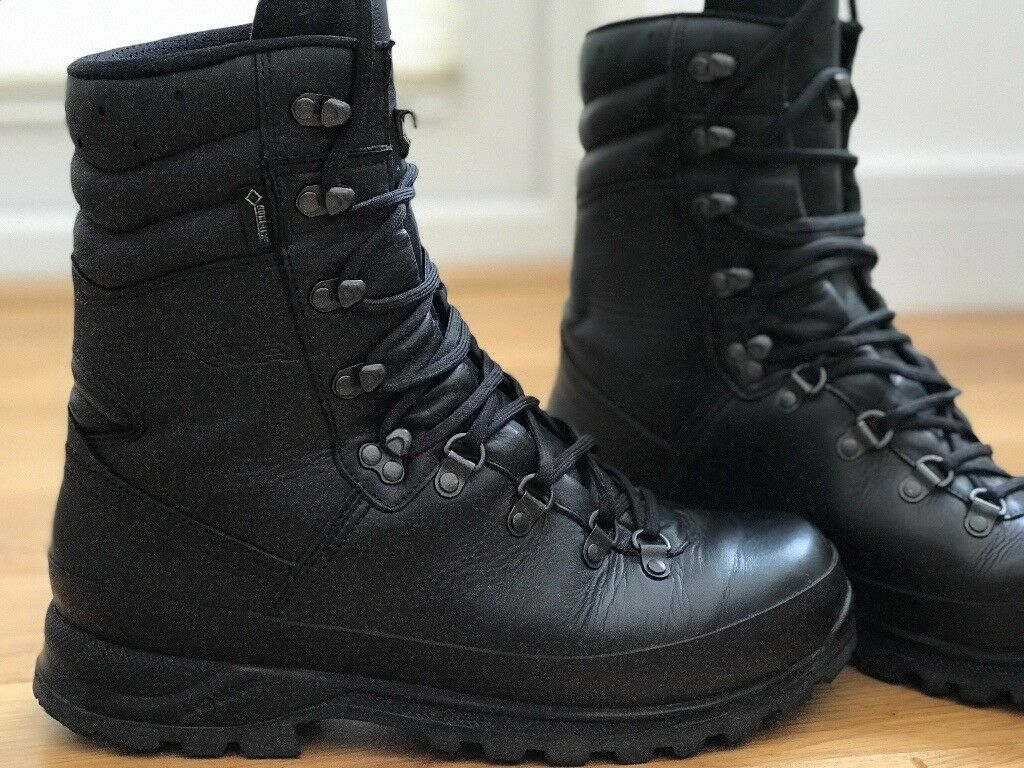 Lowa Black tactical Combat boots - size 10 - immaculate condition