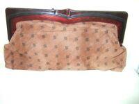 ELEGANT VINTAGE CLUTCH BAG