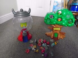 Moshi monsters gumball machine & treehouse