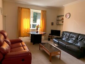3 double bed flat near Uni at powis crescent £700