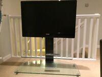 "Toshiba REGZA 37XV555D 37"" Full HD 1080p LCD TV with Toshiba stand"