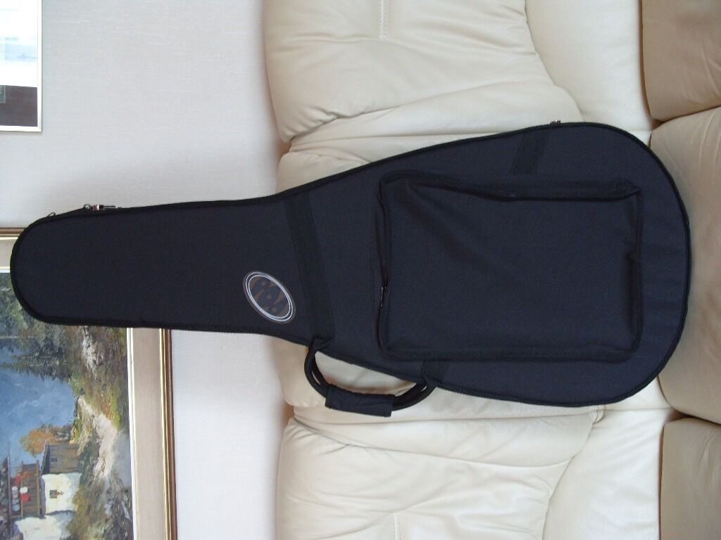 pod lightweight hard foam classical guitar case in high peak derbyshire gumtree. Black Bedroom Furniture Sets. Home Design Ideas