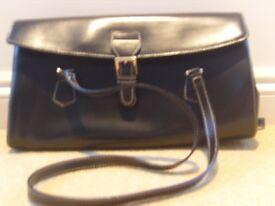 L CREDI DESIGNER BLACK GENUINE LEATHER HAND BAG WITH SILVER HARDWARE NEW