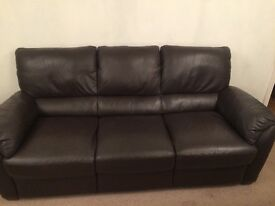 Brown leather sofa and 2 arm chairs good condition very comfortable