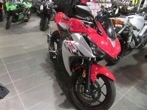 2015 Yamaha YZF-R3 -