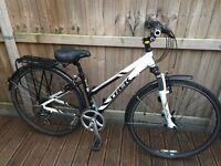 Trek 7200 Ladies Hybrid Bike