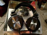 New dj headphones Pioneed Hdj 1500