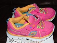 skechers todles girls shoes trainers size 5 in the box