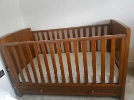Silver Cross Devonshire Cotbed, dressers & changing table