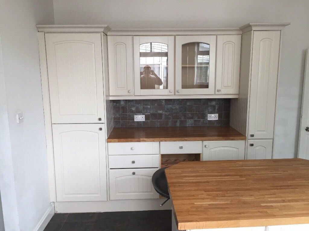 Kitchen Units And Applicances With Range Master Oven In