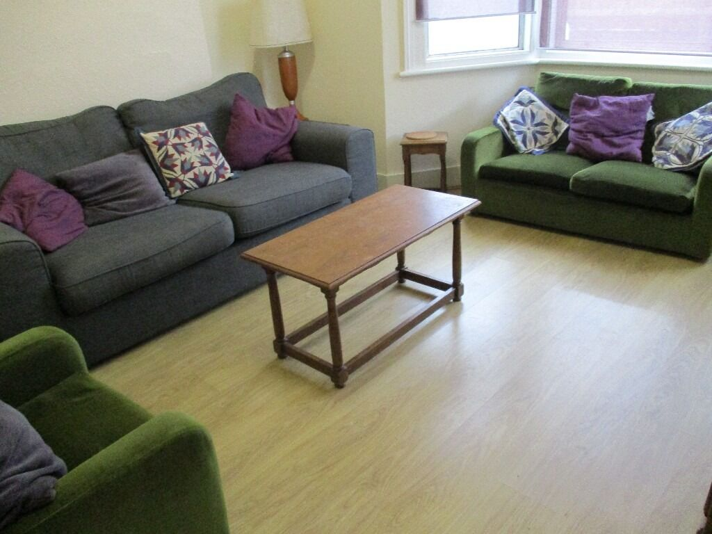 AMAZING VALUE 4 DOUBLE BEDROOM 2 BATHROOM HOUSE 2 MINS WALK TO ZONE 3 NIGHT TUBE, BUSES & SHOPS