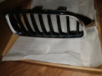 bmw 4 series x2 ftont grill black and silver trim - £60 original part