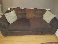 2 SETS OF 3 SEATER SOFAS FOR SALE.. MUST BE ABLE TO COLLECT