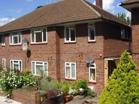 Southgate N14 Large purpose built 2 double bedroom first floor maisonette with Private Garden