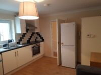 STUNNING TWO BEDROOM FLAT IN WOOLWICH *** 4 MINTS TO STATION ***