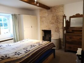 Lovely double room in character cottage in Stroud