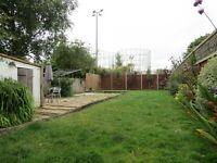 SPACIOUS 3 DOUBLE BEDROOM HOUSE PERFECT FOR A FAMILY WITH PARKING AND PRIVATE GARDEN!!!!!!