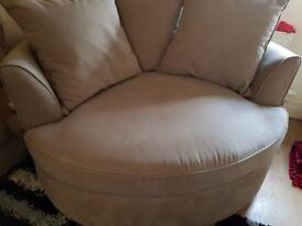 Cream cuddle chair like new