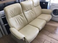 Stressless exgillies 3/2 ivory leather settees cost new £2900 first £645