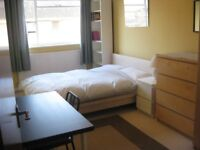Spacious double room to rent available now, under 10mins walk to Surbiton Station