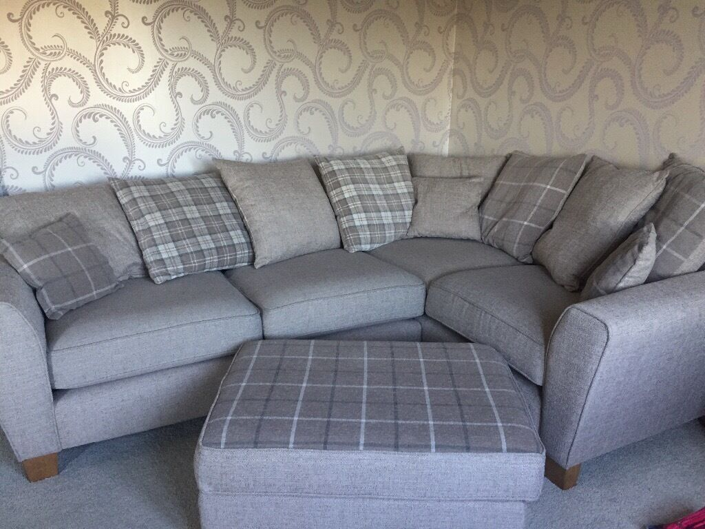 Scs Corner Sofa 1 Year Old Natural Colour With Tartan