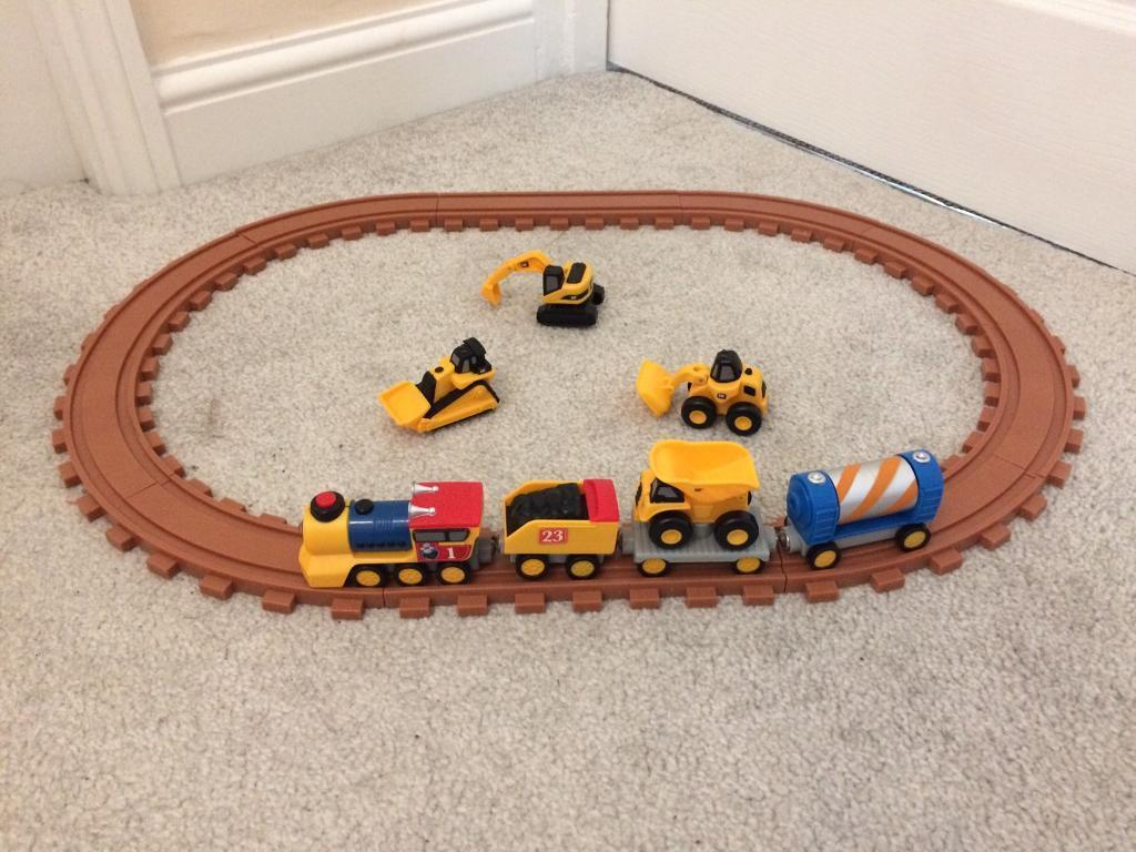 CAT PRESCHOOL EXPRESS TRAIN SET