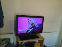 lg tv 32 inch like brand new ,2 hdmi ports one usb port, with original remote con
