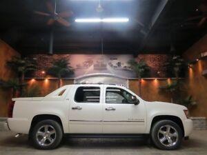 2012 Chevrolet Avalanche 1500 LTZ - Nav, 20 Chromes, Roof!