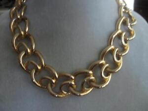 18-IN.VINTAGE BOLD and BEAUTIFUL HI-SHINE GOLDTONE NECKLACE