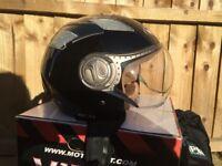 XL Viper RS16 Crash Helmet (Salisbury)